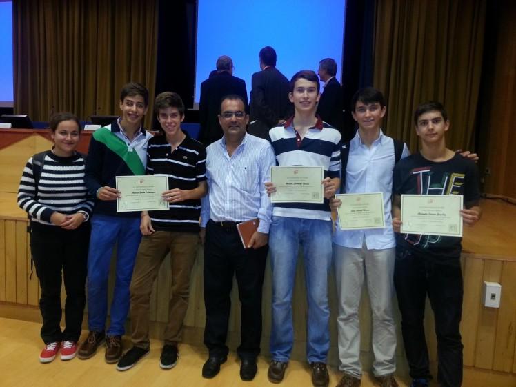 El estudiante de Bachillerato del Buen Pastor Antonio Galán y el alumno de Los Salesianos de la Santísima Trinidad Luis Manuel García-Baquero han sido los ganadores del IV Concurso de Otoño de Matemáticas.