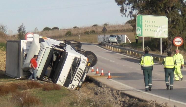 Imagen archivo: Vuelco de camión en la A-8063