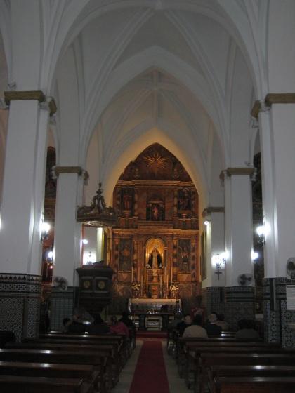 420px-Nave_central_de_la_Iglesia