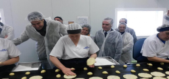 Miembros del Partido Popular visitan la fabrica de Ines Rosales