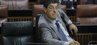 Altos cargos de IU en Adalucía sopesan dimitir antes de que Susana Díaz los eche