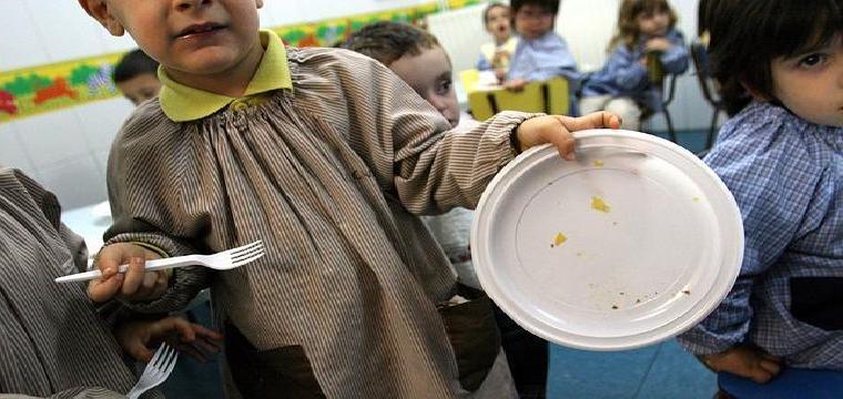 Los gastos de comedor en Andalucía han bajado este curso un 24,49% con respecto al año pasado
