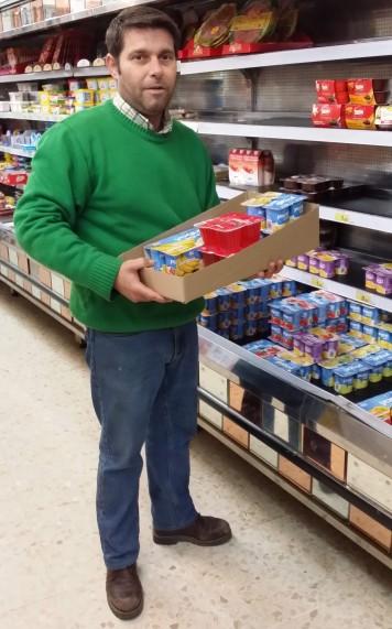 Andres Macedo Rubio - Propietario del supermercado Coviran en Huévar