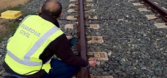 Tres detenidos por robar 480 tornillos de las vías del tren