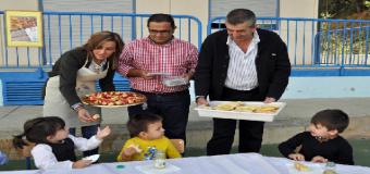 Inés Rosales participa en la VIII Campaña de Desayunos Saludables en Isla Cristina.
