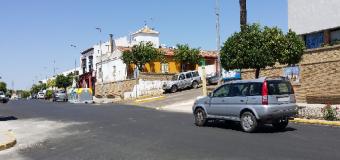 Los vecinos se quejan de posibles atropellos en la Avda. del Rocío de Huévar