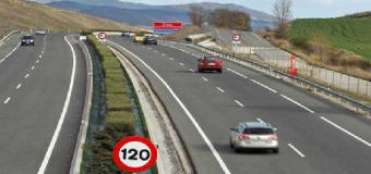 Después de 18 meses de la reforma del Reglamento, el Gobierno frena los 130 km/h