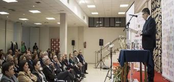 Ines Rosales en el cierre de campaña del mantecado de Estepa