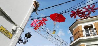 Escolares de pilas dan la bienvenida a la navidad con materia reciclado