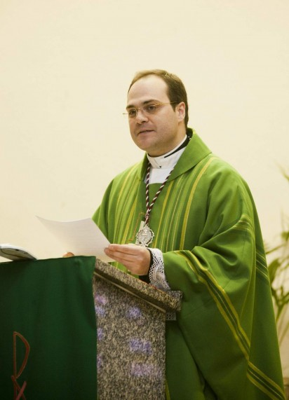 D. Angel Puentes  Arenal el día de su toma de posesión en Huévar