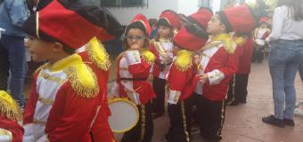 La Cofradia Infantil llena las calles de devotos y foraneos