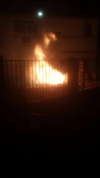 El contenedor arde en llamas