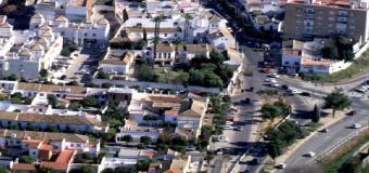 Las grúas de la construcción vuelven paulatinamente al paisaje del área metropolitana de Sevilla