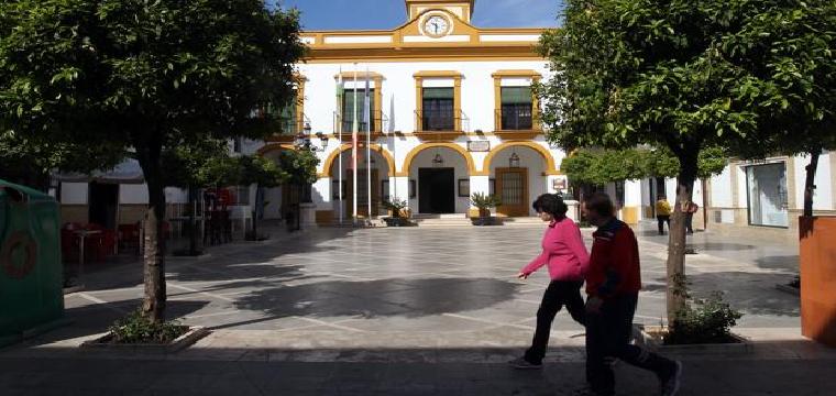 Ayuntamiento de La Puebla de Cazalla, uno de los nueve de Sevilla que no tiene deuda - RAÚL DOBLADO