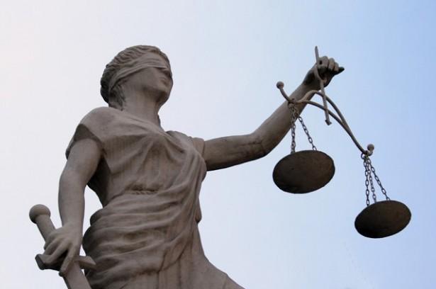estatua-justicia-ciega-615x408