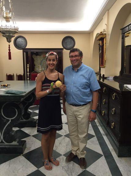 Carolina Marín junto a Juan Ignacio Reales