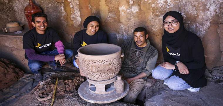El recipiente de arcilla puede mantener una temperatura de 6 grados en las zonas secas y 12 grados en las húmedas. EFE