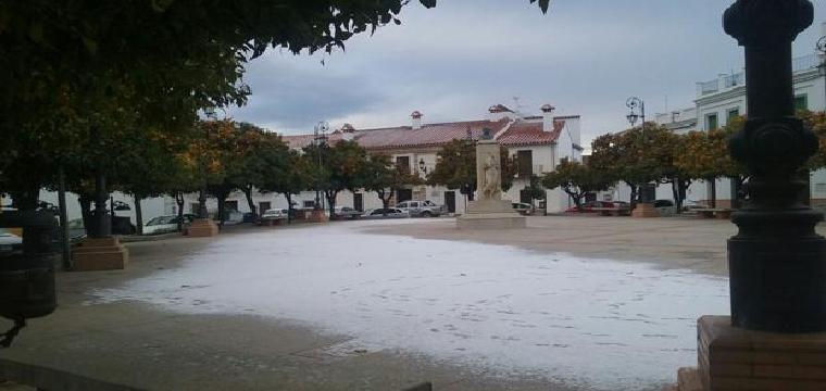 Una Plaza de Guadalcanal cubierta de nieve - abc