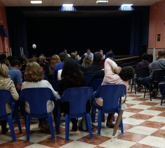 El Comite de Empresa  CCOO del Ayunt. de Huévar en una de sus reuniones con los trabajadores municipales