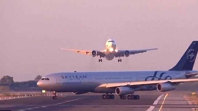 avion-casi-choque-barcelona--644x362