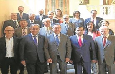 Autoridades del Camino Real de Sevilla, en la reunión hispalense. - CEDIDA