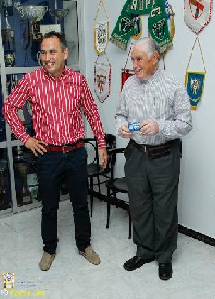 José Cascajo estuvo acompañado por su padre, Felipe, socio fundador de la UD Pilas
