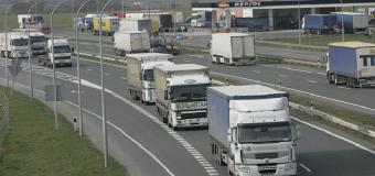 La ley que obligará a los camioneros a dormir en hoteles y no en sus cabinas