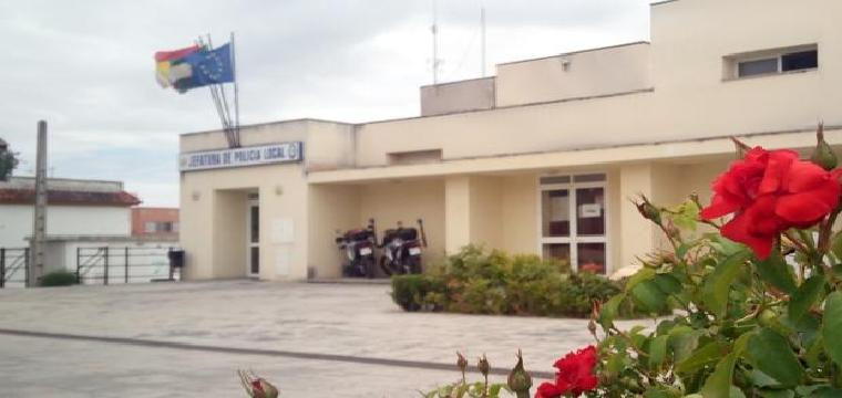 Jefatura de la Policía Local de Coria, lugar donde ha tenido lugar el accidente - ABC