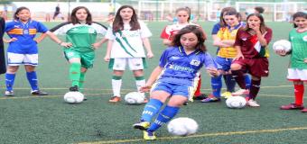 La Diputación y la Federación de Fútbol abordan un programa para implantar escuelas femeninas de balompié