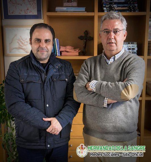 De izq a derch - El Hno Mayor de dicha Hdad y Manuel Fidalgo de dicha Hdad