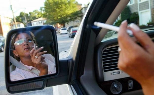 fumar-coche-kJAF--624x385@RC