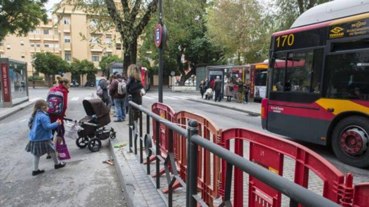 Actualmente, solo los menores de 3 años acceden gratis a los autobuses de Tussam - ABC