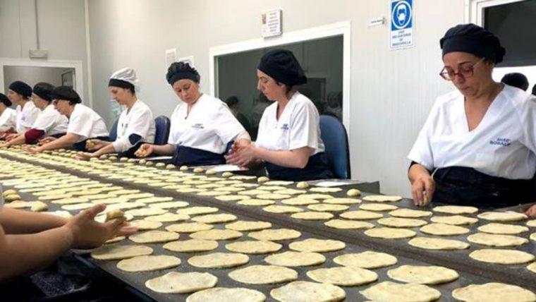 El 87 por ciento de las trabajadoras de la empresa son mujeres - C. G.