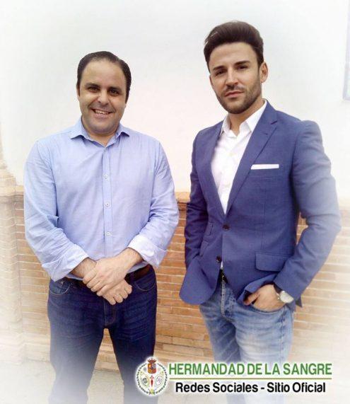 A la izq de la imagen el Hermano Mayor D. Manuel Fidalgo junto a