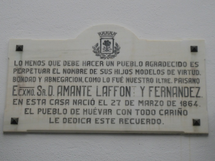 Placa conmemorativa en la casa natal de Amante Laffón.
