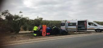 SUCESOS – Una mujer herida en la A-8061 de Pilas por salida de vía