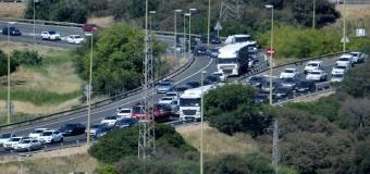La A-49 ha registrado retenciones de hasta 14 kilómetros y otros tres a la altura del peaje a Cádiz