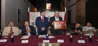 HUEVAR – Con motivo de su XIX Aniversario, la Peña Sevillista de Huévar homenajea a Caparros