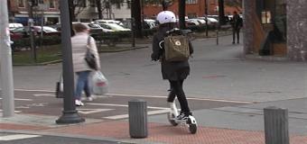 La DGT prohibirá circular por las aceras con patinete eléctrico
