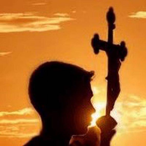 La Vera+Cruz, simbolo de Hermandad hacia los mas necesitados y desprotegidos