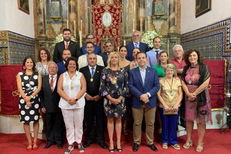 La Alcaldesa de Huévar y miembros del Ente publico