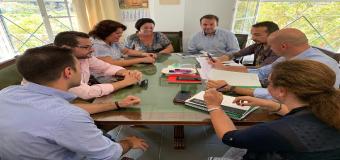 HUÉVAR – El equipo de Gobierno Municipal se han desplazado a la Delegación de Educación de la Junta de Andalucía en Sevilla para tratar asuntos sobre el nuevo curso escolar