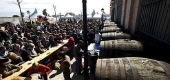 Umbrete reparte 8.000 litros de vino gratis, este domingo