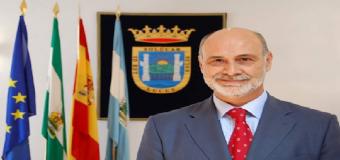 El pleno de Sanlúcar rechaza dedicar una calle al alcalde Juan Escámez fallecido en 2010