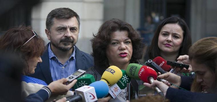 La actual alcaldesa de Huévar, María José Moreno (PP), comparece tras denunciar la compra de votos del PSOE | Europa Press