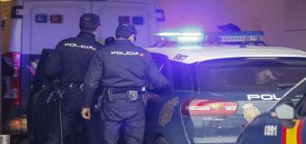 Detienen a una joven por saltarse la cuarentena y escupir a un policía en Montequinto