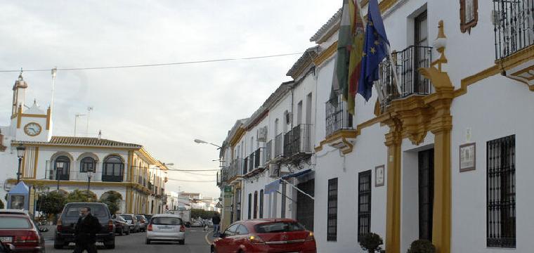 El Ayuntamiento de Aznalcázar, en una imagen de archivo. / D. S.