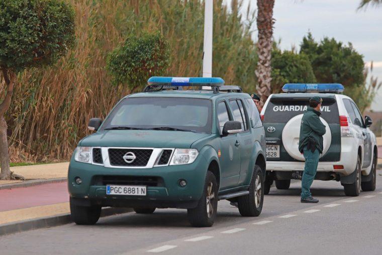 coches-Guardia-Civil-imagen-archivo_1478862189_123320894_1536x1024