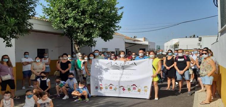 Padres y madres del colegio de Carrión piden que se mantengan las caracolas - ABC