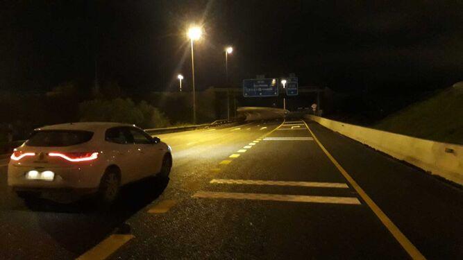 El nuevo ramal, ya con un carril a la derecha, que se abrió al tráfico el lunes por la noche. / M. G.